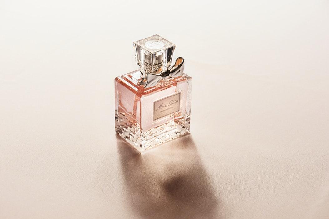 6 способов продлить стойкость парфюма ароматы,духи,женские хобби,мастерство,полезные советы,своими руками,сделай сам