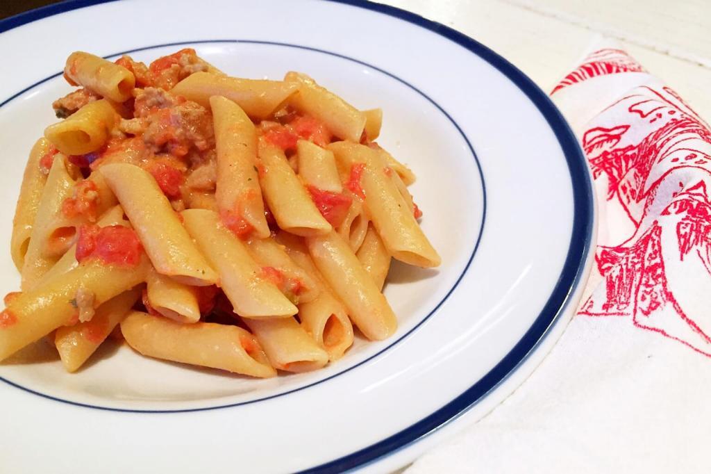 Паста с колбасой: простые рецепты Кулинария