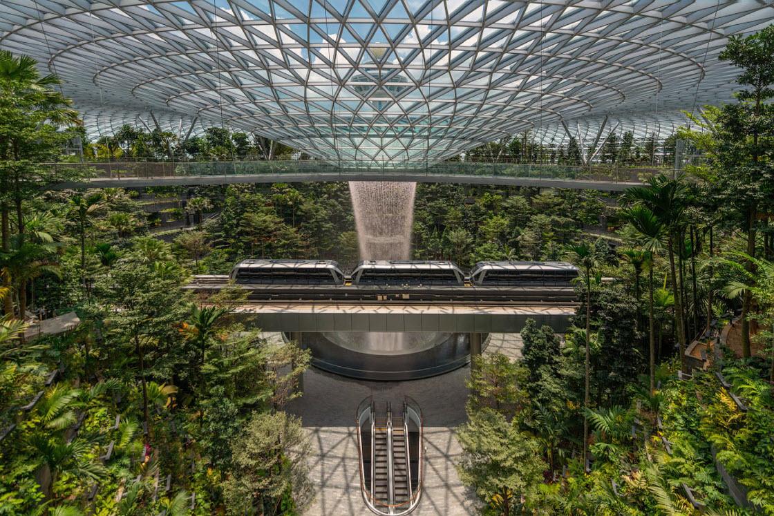 Уникальное сооружение Jewel Changi Airport в лучшем аэропорту архитектура,аэропорт,Сингапур,сооружение,технологии