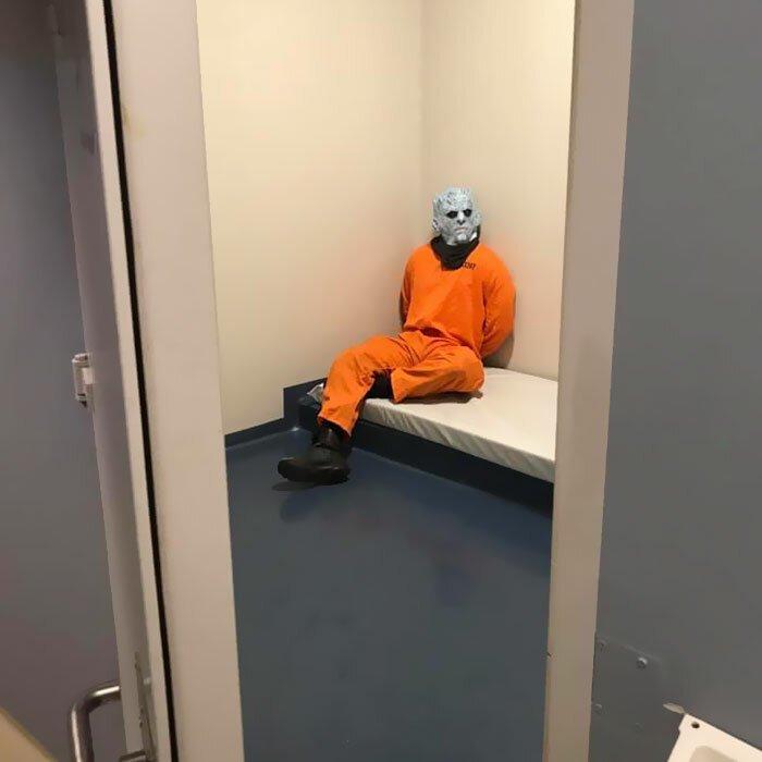 Норвежская полиция арестовала Короля Ночи Юмор,картинки приколы,приколы,приколы 2019,приколы про