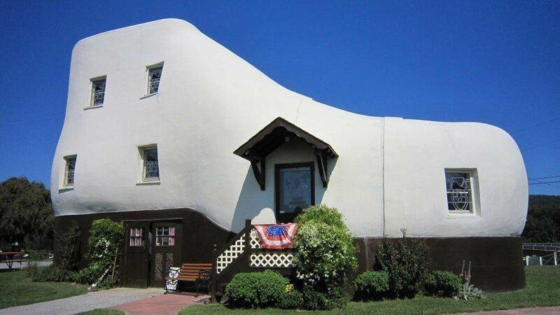 10 удивительных домов, которые построили шутники-архитекторы Интересное