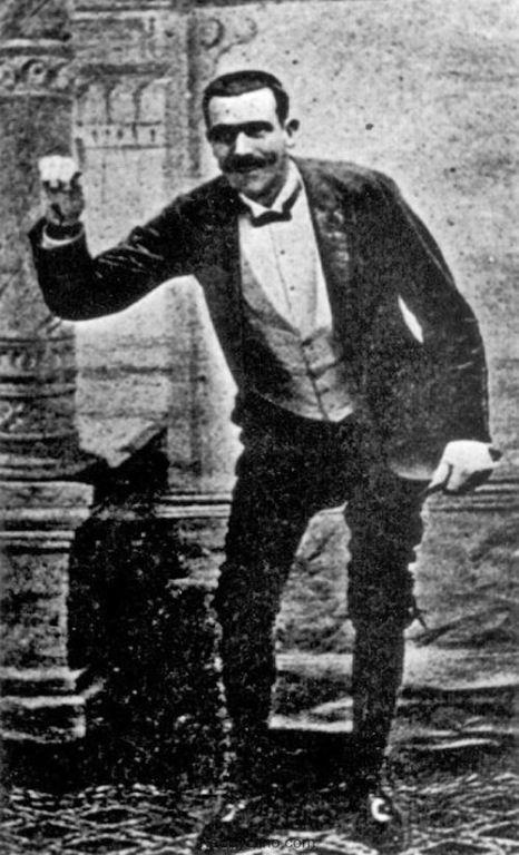 Жозеф Пужоль — самый известный пердун в мире Искусство