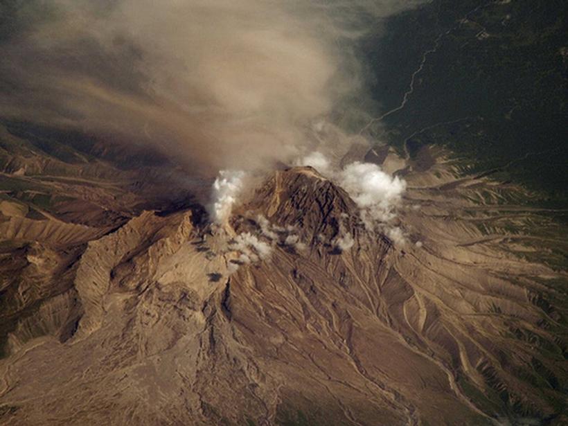 Вулкан Шивелуч на Камчатке снова проснулся и угрожает мощнейшим извержением вулкан,Камчатка,наука,природа